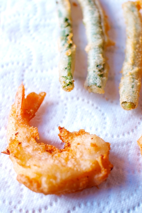 Tempura is a very popular Japanese recipe. Tempura is very easy to make at home. Try this easy tempura recipe that promises airy, light, and crispy tempura. | rasamalaysia.com