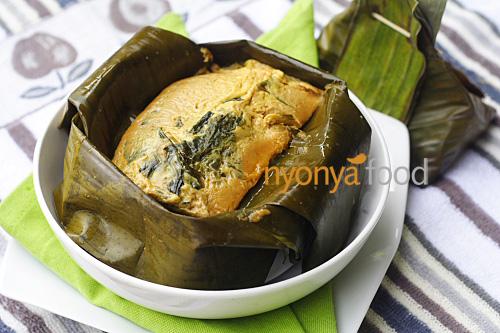 Nyonya Fish Custard Wrapped with Banana Leaves (Otak-Otak) - Rasa Malaysia