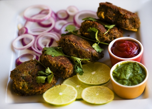 Lamb Kabab Recipe (Shammi Kabab): The mixture is elevated with warmth of spices like cinnamon, cardamom and cloves, stuffed with onion and coriander, rolled into thickish patties, dipped in egg and fried in ghee (clarified butter) to create a meal that is exquisite, both on your dish and to your palette. | rasamalaysia.com