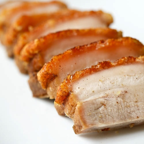Chinese roast pork belly recipe (siu yuk/烧肉) by Eat a Duck I Must. Crispy pork belly that you can easily prepare at home, including step-by-step pictures. | rasamalaysia.com