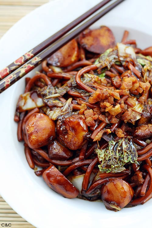 Kl hokkien mee easy delicious recipes rasa malaysia kl hokkien mee recipe this dish is famous for the dark fragrant sauce that forumfinder Images