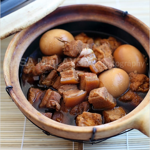 Braised Pork Belly in Soy Sauce (Tau Yew Bak)