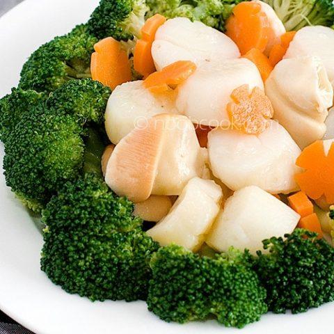 Broccoli and Scallops