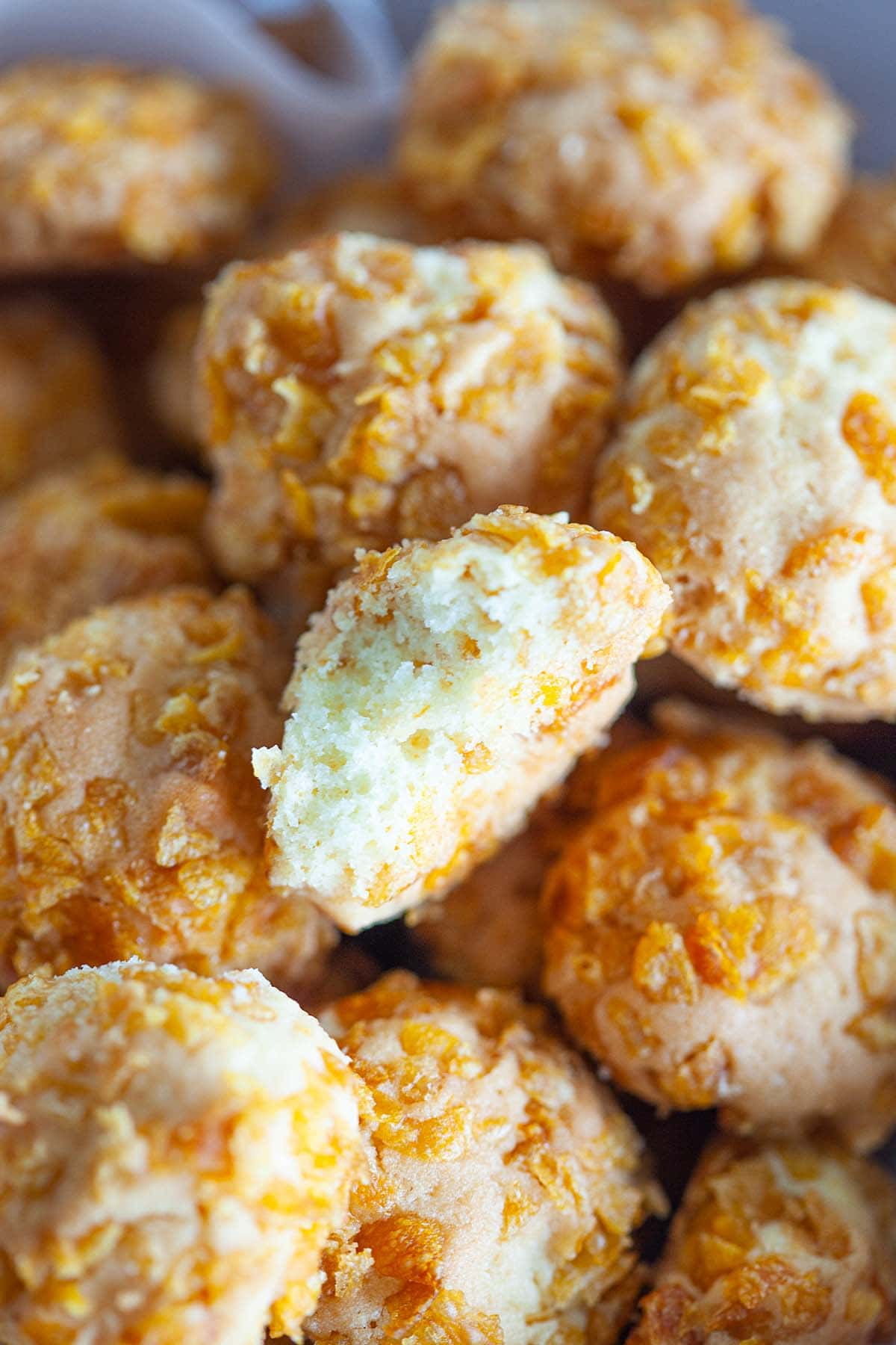 Butter-rich cookies rolled with crunchy cornflakes.