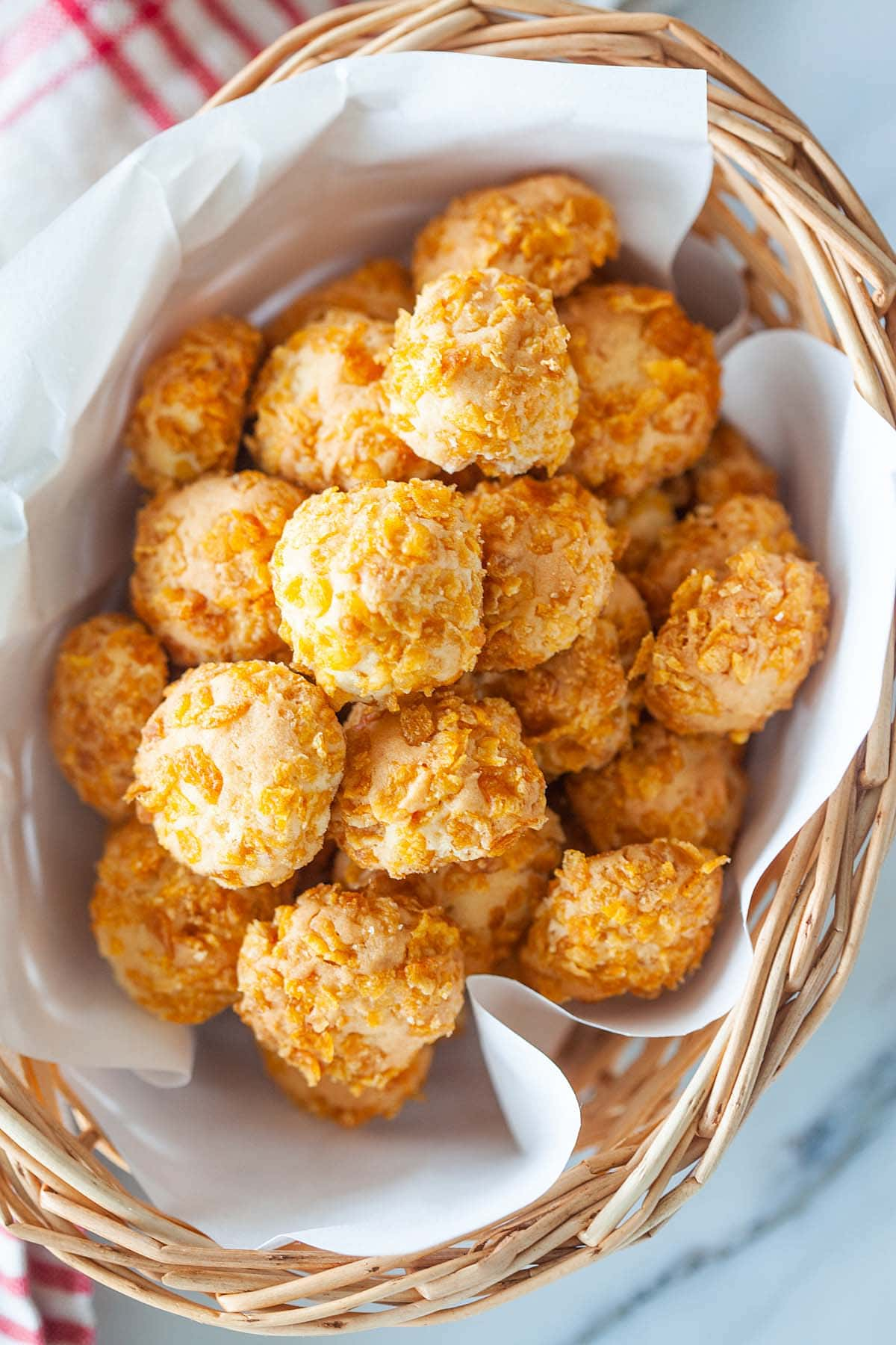 Easy cornflake cookies recipe that yields buttery, crunchy, and tasty cornflake cookies.