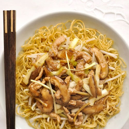 Cantonese Fried Noodles (Pork Chow Mein) recipe - crispy noodles with crunchy greens and flavorful meat in hot sauce. | rasamalaysia.com