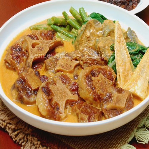 Filipino Kare Kare (Ox Tail and Peanut Stew) | rasamalaysia.com