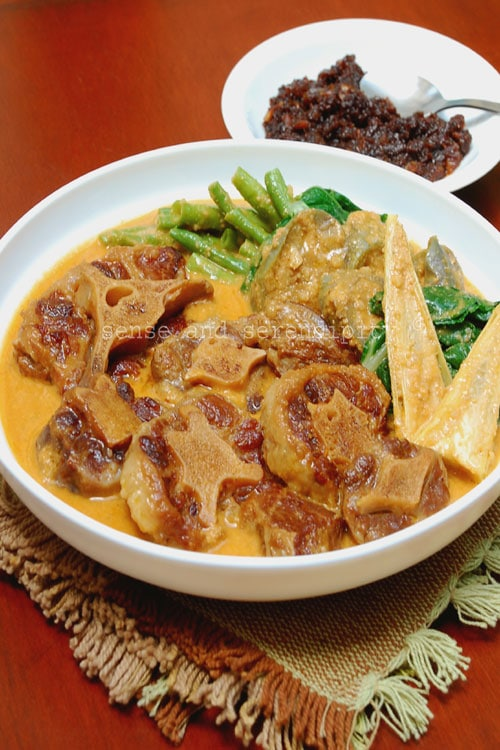 Easy kare kare in a bowl, that is a wonderful Filipino dish.