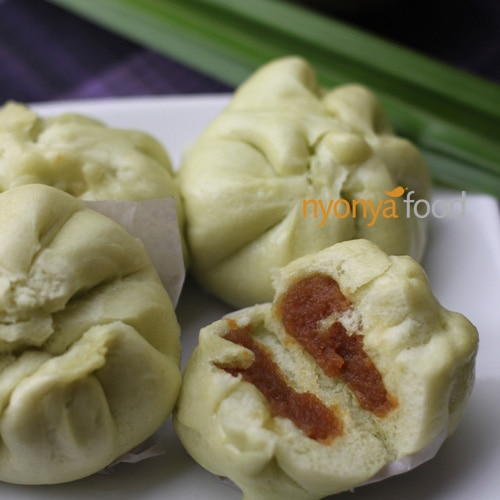 Kaya Bao. Bao or steamed buns are popular among the Chinese communities and is usually eaten during breakfast or as a snack at any time of the day | rasamalaysia.com