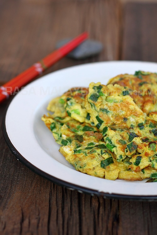 Chives Omelet | Easy Delicious Recipes