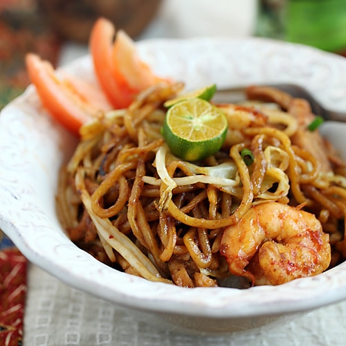 Indonesian Fried Noodles (Mie Goreng)