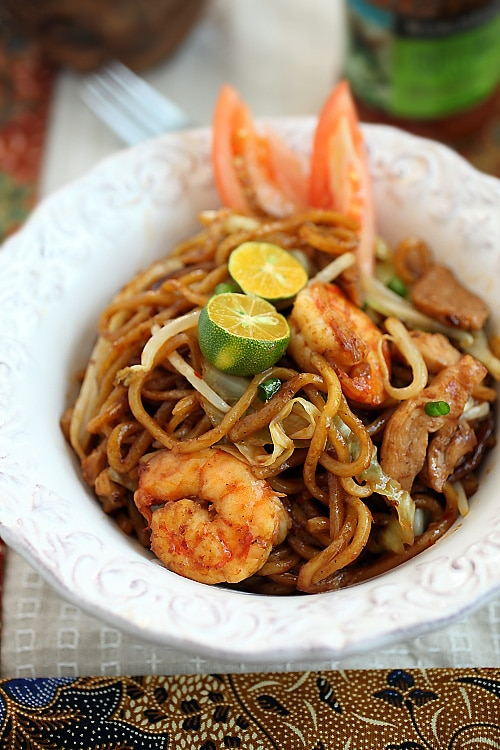 Make delicious Indonesian fried noodles or mie goreng at home today.