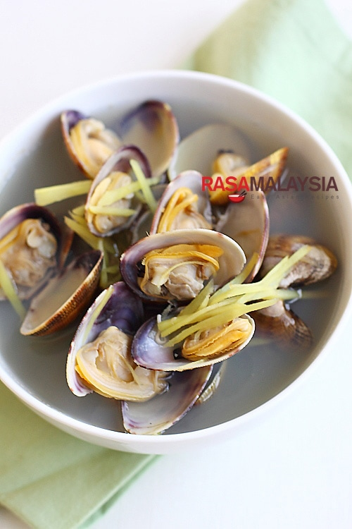 Ginger and Clam Soup recipe - It takes only a few ingredients and 15 minutes to prepare. | rasamalaysia.com