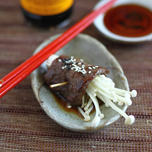 Easy Japanese beef rolls recipe with ponzu sauce. Made with Mizkan HONTERI Mirin and AJIPON Ponzu. | rasamalaysia.com