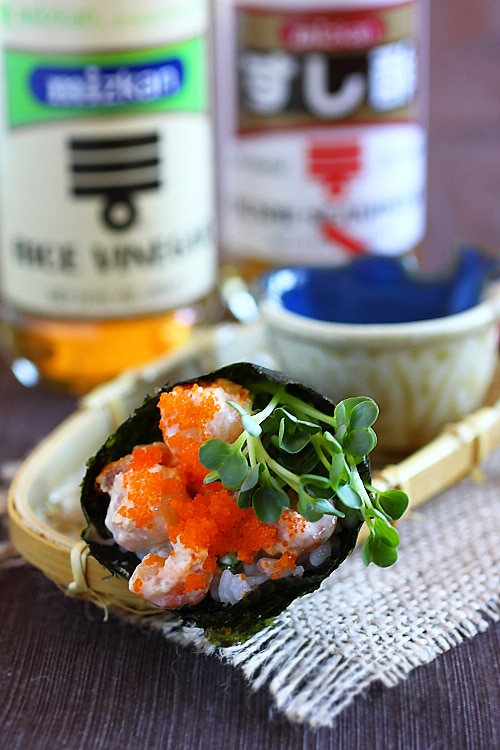 Hand roll is a popular sushi. Learn how to make hand roll with this easy hand roll recipe using Mizkan sushi seasoning and rice vinegar. | rasamalaysia.com