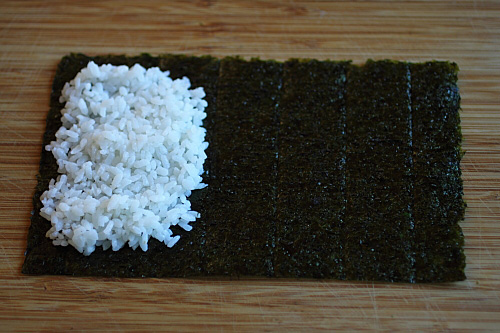 Hand roll is a popular sushi. Learn how to make hand roll with this easy hand roll recipe using Mizkan sushi seasoning and rice vinegar.   rasamalaysia.com