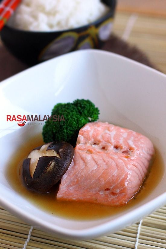 Steamed Norwegian Salmon: simple, light, and healthy, with dashi stock as the base and garnish it with a fresh shiitake mushroom and a broccoli floret. | rasamalaysia.com