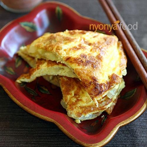 Cincaluk Omelet (Telur Dadar Cincaluk)