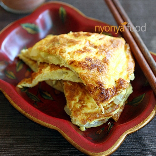 Cincaluk Omelet (Telur Dadar Cincaluk) Recipe | rasamalaysia.com
