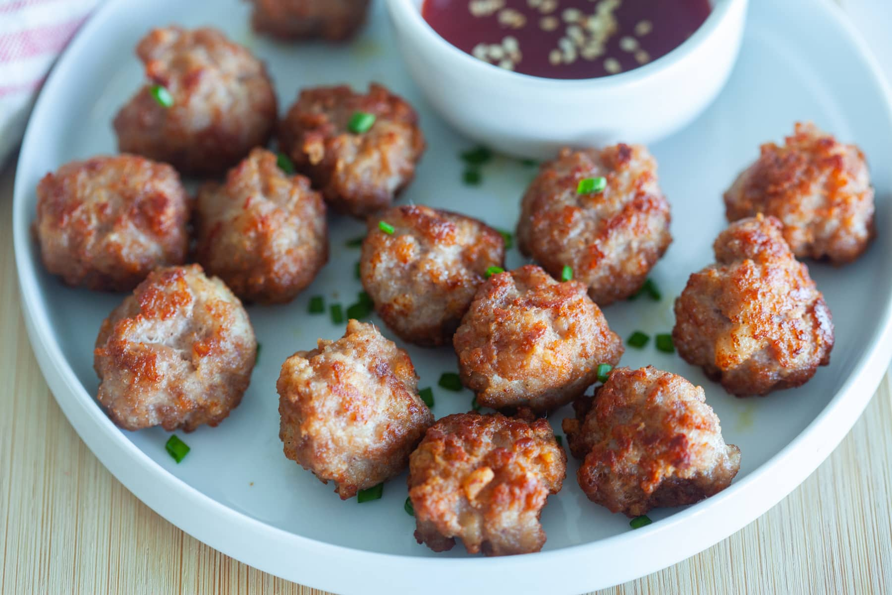 Fried meatballs, ready to serve.