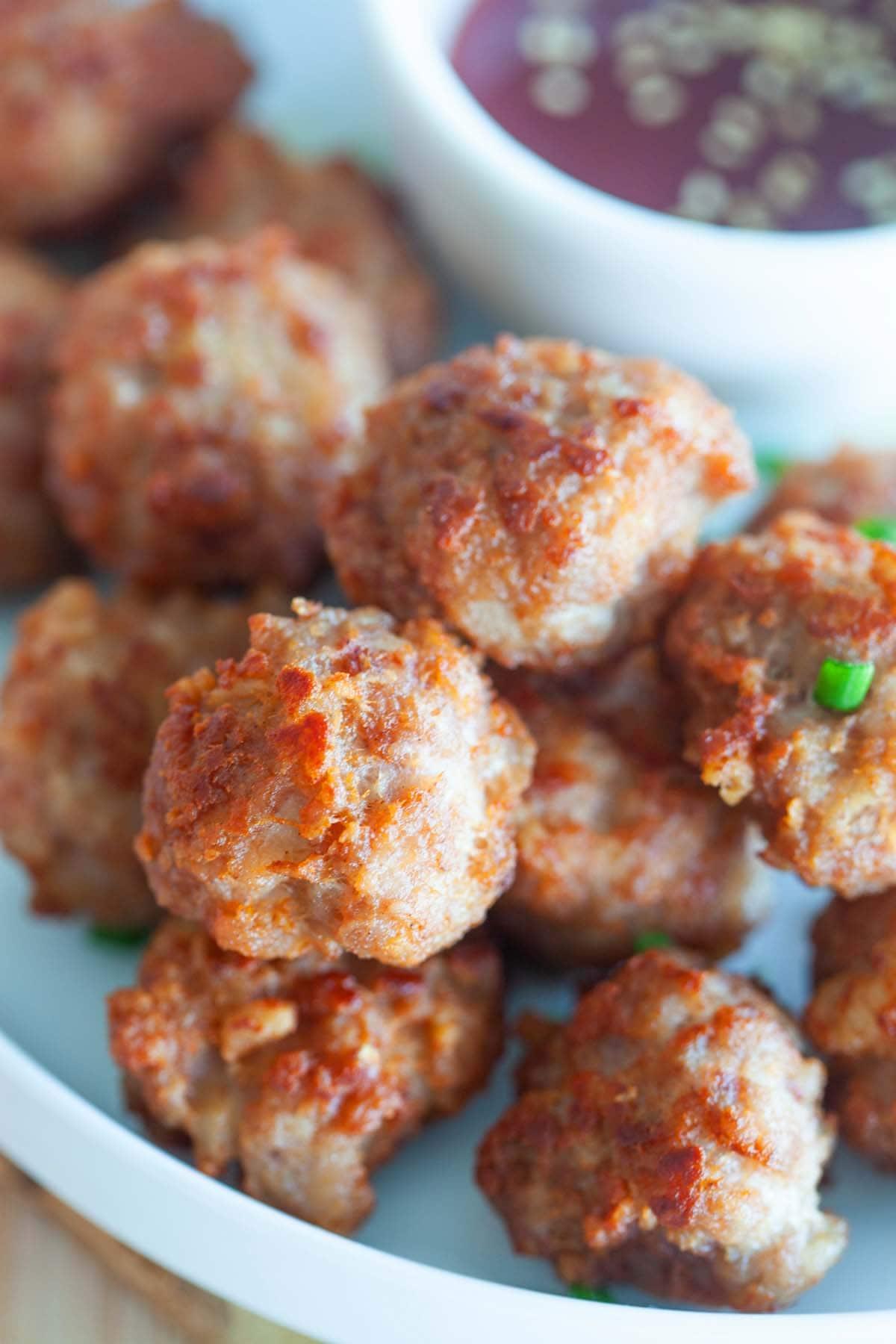 Fried meatballs in plate.