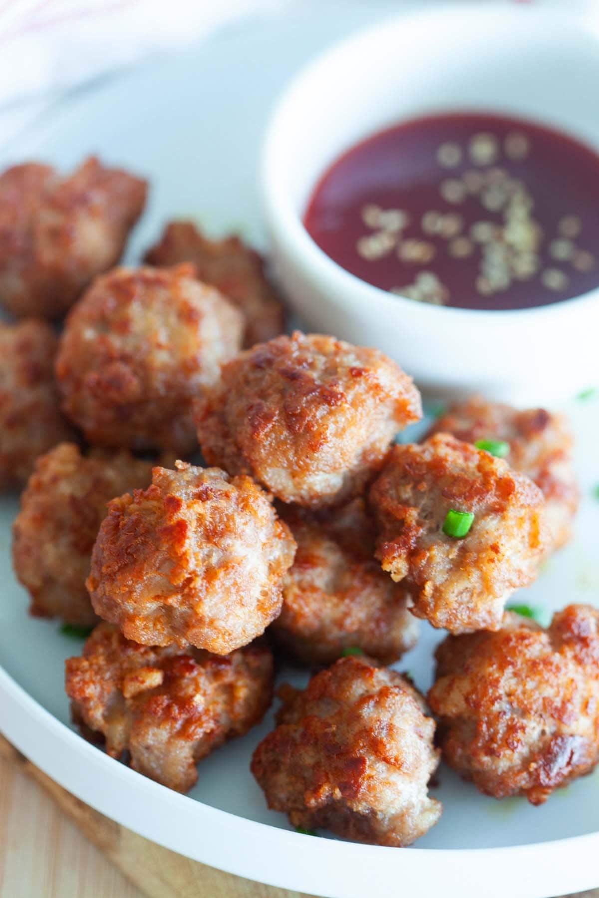 Easy recipe for fried meatballs.