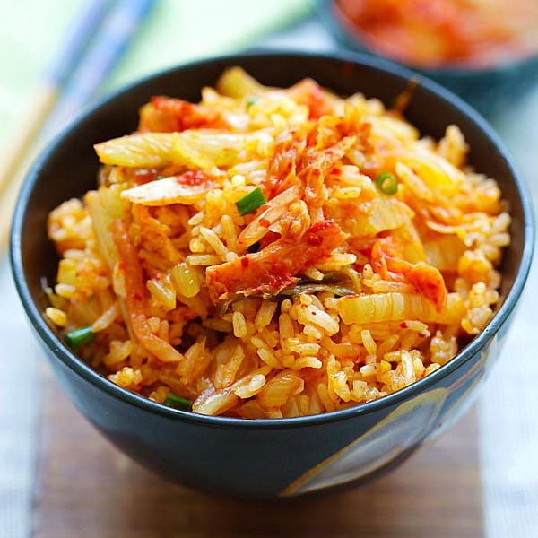 Kimchi Fried Rice - the easiest and best fried rice made with Korean kimchi. Spicy, flavorful and absolutely delicious. Dinner takes 15 mins | rasamalaysia.com