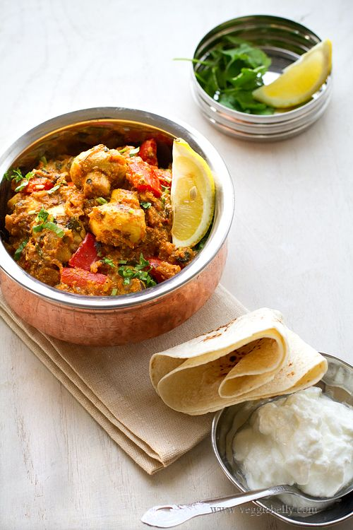 Mushroom Tikka Masala – The combination of fresh mushrooms and the treasure trove of exotic spices plus heavy cream is simply delicious. | rasamalaysia.com