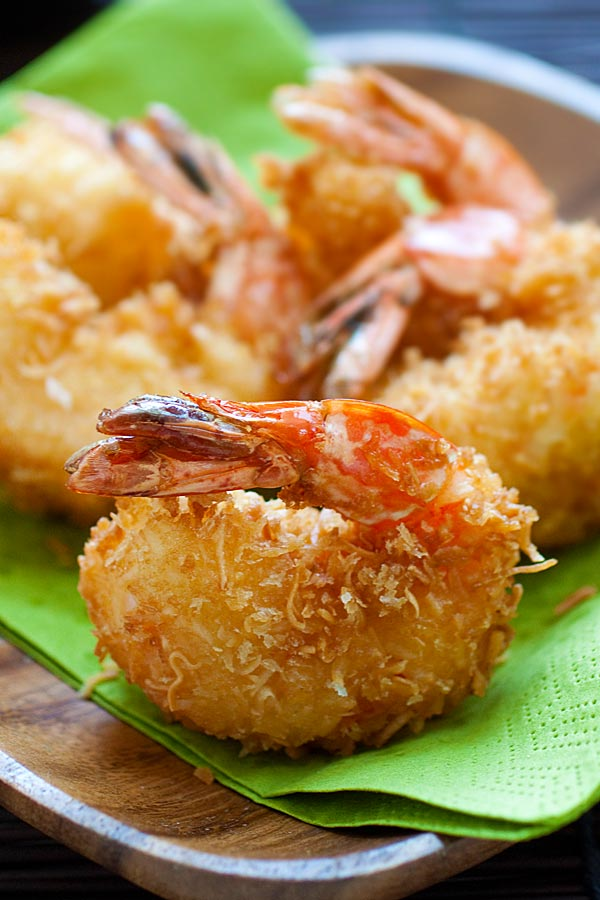 Easy coconut shrimp, ready to serve.