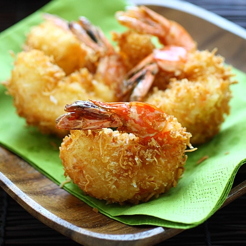 Coconut shrimp - the best and crispiest coconut shrimp recipe ever! Takes 20 mins, an easy and budget-friendly shrimp appetizer | rasamalaysia.com