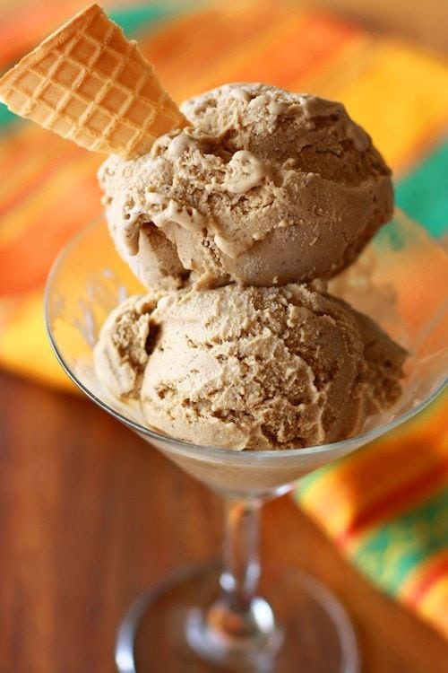 Coffee Ice Cream – Best type of coffee ice cream to make is the one with the coffee you are familiar with and enjoy drinking. This recipe will be in three parts: espresso, instant coffee, and coffee beans. | rasamalaysia.com