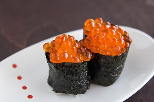 California roll is a popular sushi roll in the United States. California roll was invented in California. Step-by-step easy California roll recipe.   rasamalaysia.com