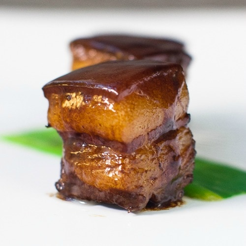 Red-cooked pork is a Chinese recipe where pork belly is braised in spiced soy sauce for hours. Easy red-cooked pork recipe that is tasty and authentic. | rasamalaysia.com