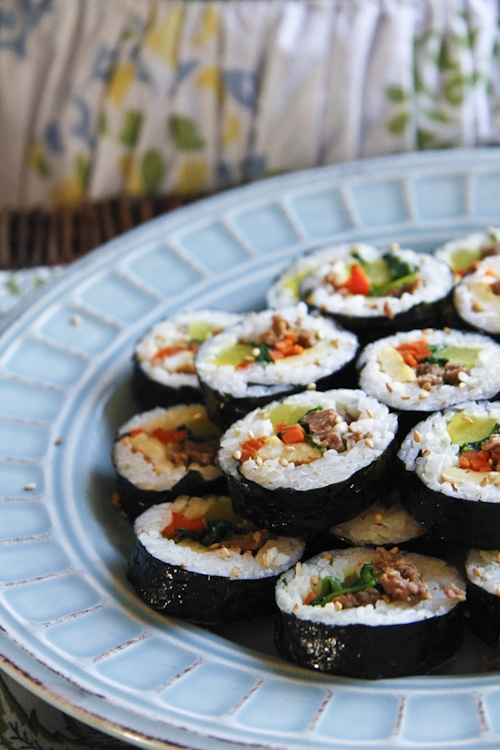 Easy Korean kimbap, or a delicious sushi roll with seaweed and beef.