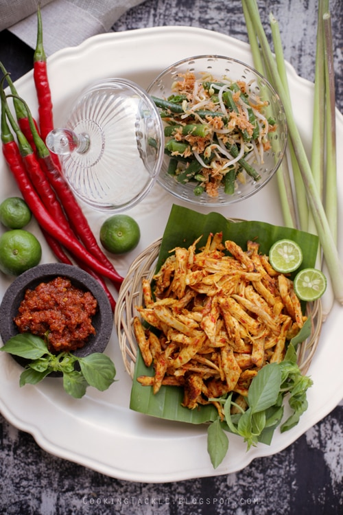 Easy and delicious Balinese chicken recipe.