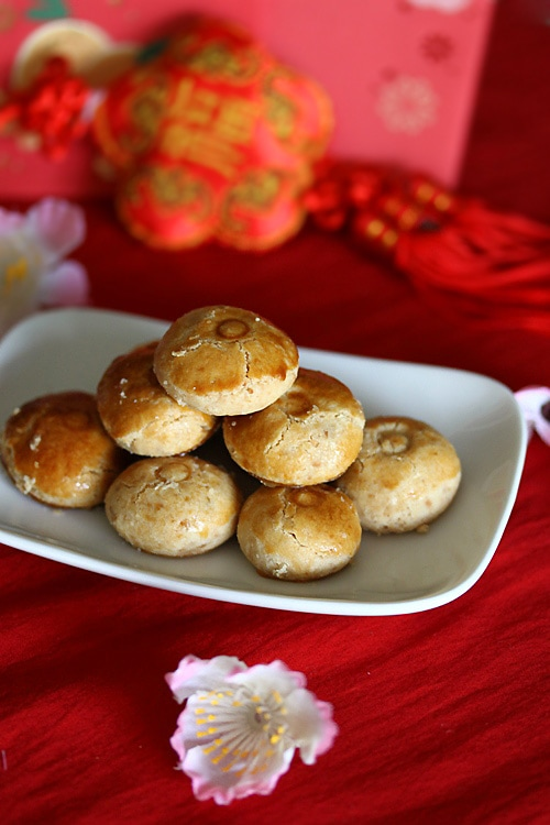 Easy Chinese lunar new year mini peanut cookies made with only 4 ingredients.