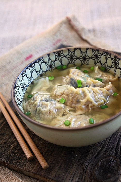 Pork Dumpling Soup - juicy and yummy pork dumplings in a hearty chicken soup, the most comforting soups ever and you can make it at home | rasamalaysia.com