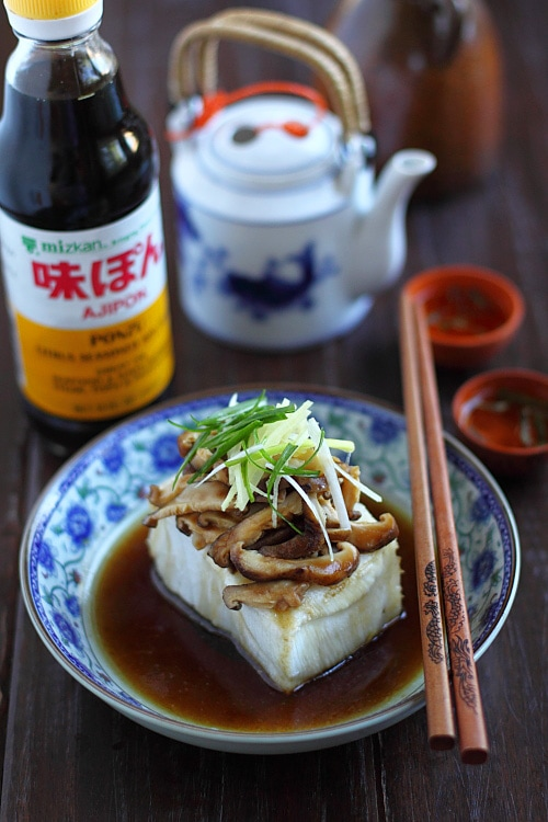 Easy homemade steamed fish with Mizkan AJIPON® Ponzu, served in a serving dish.