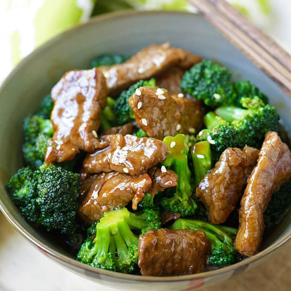 Broccoli Beef - best and easiest homemade beef and broccoli in brown sauce. You'll never need another broccoli beef takeout | rasamalaysia.com