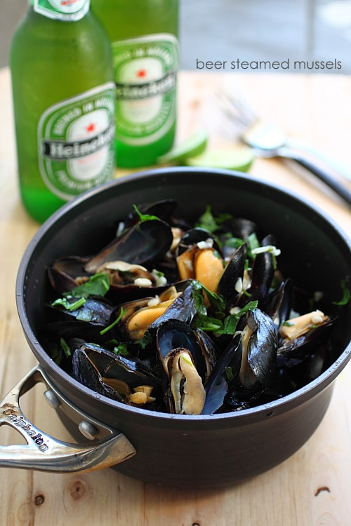 Easy and quick restaurant style beer steamed mussels in a pot.