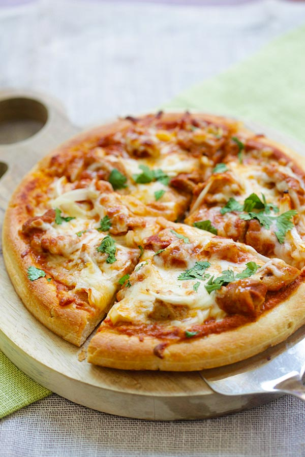 Chicken Tikka Masala Pizza - cheesy pizza topped with delicious Indian chicken tikka masala. The best homemade pizza recipe ever | rasamalaysia.com