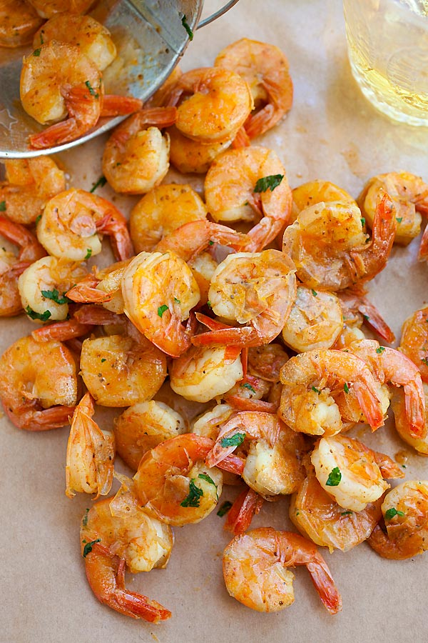 Easy and delicious peel and eat shrimps in a bucket, ready to serve.