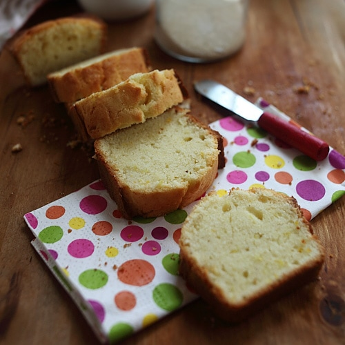 Perfect Pound Cake – Recipes that call for only a few basic baking ingredients, precisely, butter, flour, eggs, and sugar, that create magic when blended together and baked. | rasamalaysia.com
