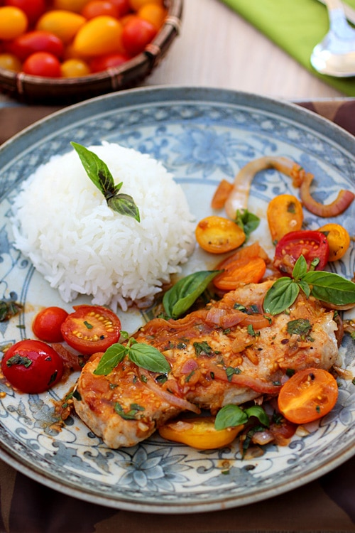 Sauté Pork with Tomatoes – The pork chop is sweet and sour in taste, and great especially served with rice. Enjoy! | rasamalaysia.com