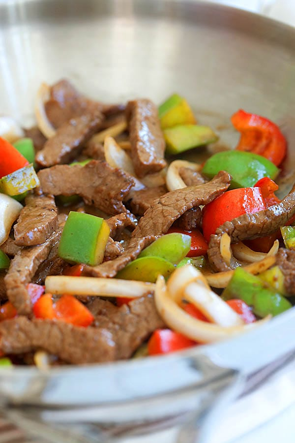 Easy and delicious Asian black pepper beef stir fry in brown sauce in a skillet.