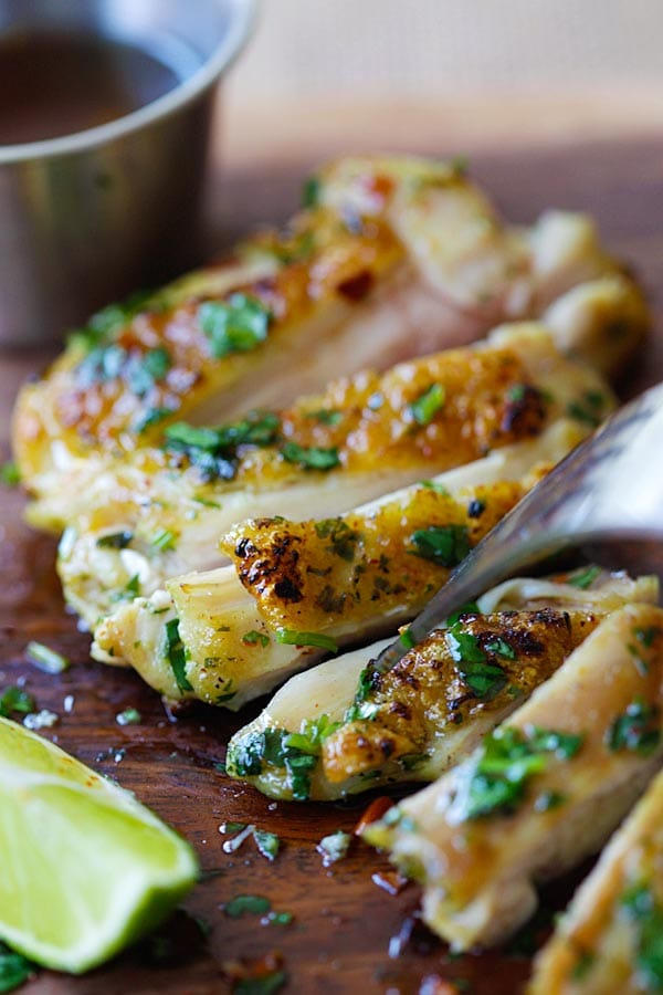 Lemongrass Cilantro Chicken - crazy delicious grilled chicken marinated with lemongrass and cilantro and serve with a sweet and savory honey dipping sauce | rasamalaysia.com