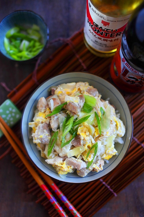 Healthy and easy Japanese Oyakodon featuring chicken and eggs served in a rice bowl.