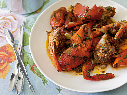 Easy and quick Vietnamese crab with tamarind and chili stir fry.