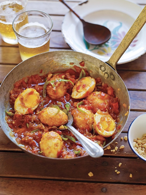 636b4c9510be Delicious and easy homemade Burmese golden egg curry with spicy red tomato  curry sauce in a