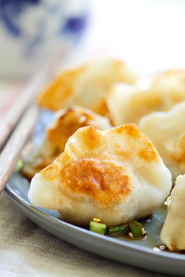 Pan Fried Dumplings Easy Delicious Recipes Rasa Malaysia